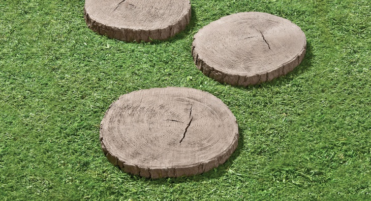 Round wooden stepping stones